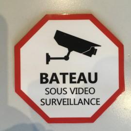 Autocollant BATEAU SOUS VIDEO SURVEILLANCE 9.5cm x 9.5cm